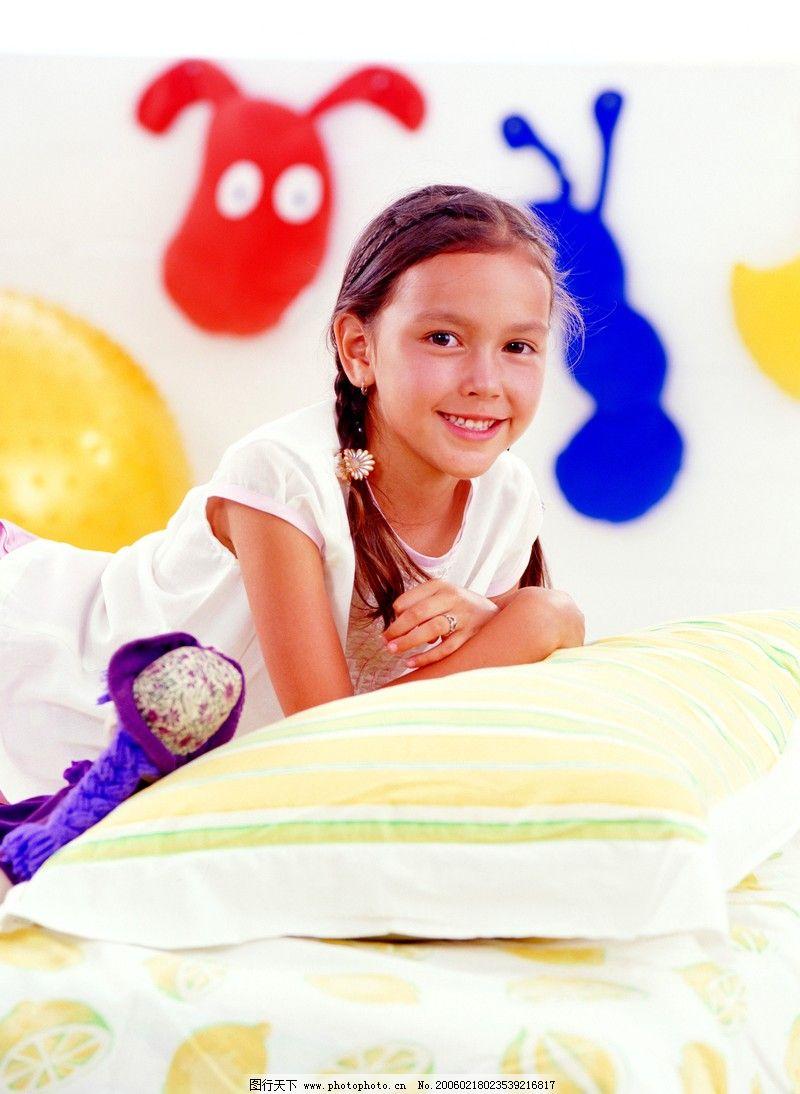 孩子可爱天真的图片